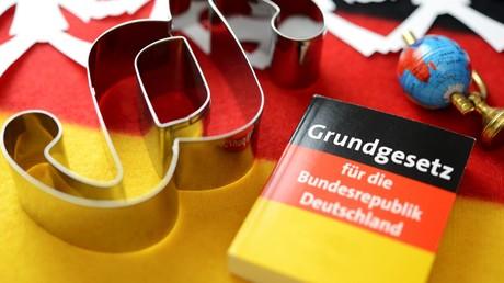 """""""Schwerstwiegende Grundgesetz-Verletzungen"""" – Ex-Staatsanwalt (Teil 2)"""