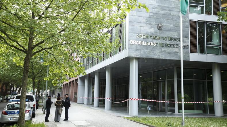 Unbekannte attackieren brasilianische Botschaft in Berlin
