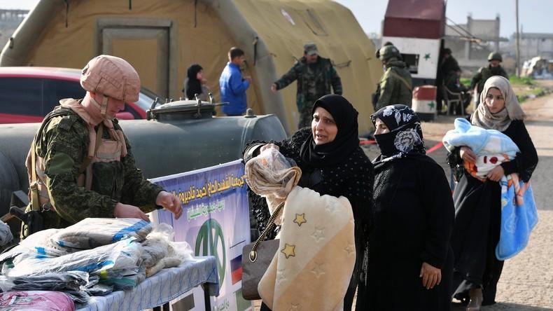Tausend Flüchtlinge an einem Tag nach Syrien zurückgekehrt - Russland leistet Lebensmittelhilfe