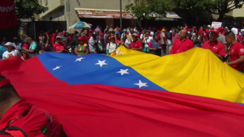 Venezuela: Ölarbeiter marschieren durch Caracas zur Unterstützung von Maduro