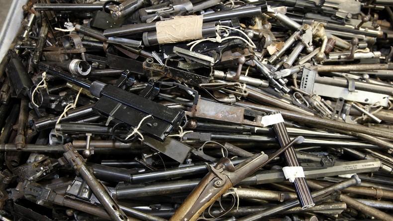 Polizei beschlagnahmt mehr als 50 Waffen bei 78-Jährigem