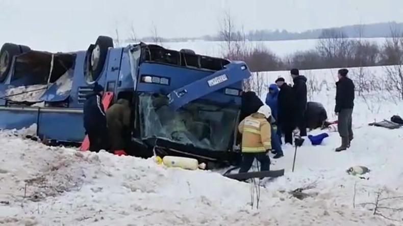 Busunfall in Russland: Über 30 Verletzte, mindestens sieben Tote