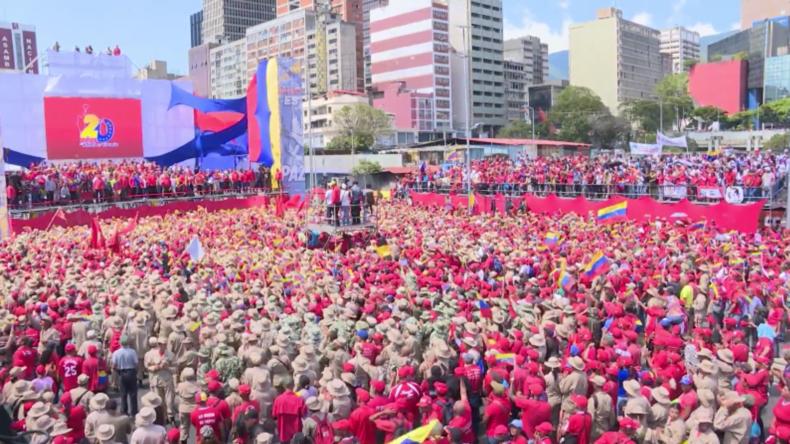 """Maduro ruft zu vorgezogenen Parlamentswahlen und """"nationalem Dialog"""" auf"""