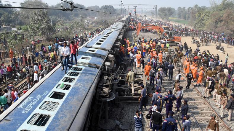 Zug in Indien entgleist - mindestens sieben Tote