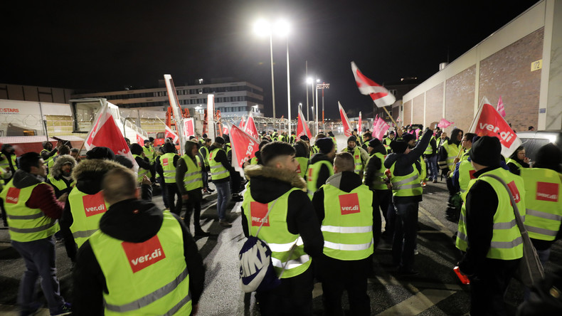 Warnstreik am Hamburger Flughafen hat begonnen - Dutzende Flüge fallen aus