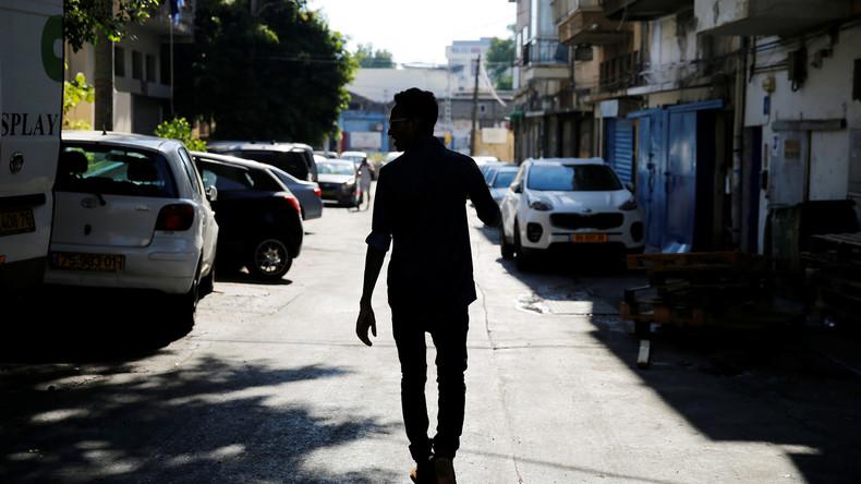 Israelischer Bürgermeister fordert dazu auf, Asylbewerber über Hotline zu melden