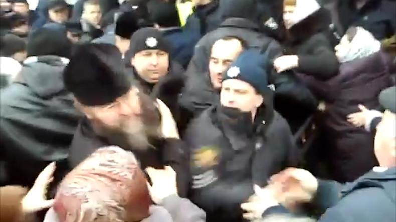 Ukraine: Priester bei weiterem Überfall auf Kirche zusammengeschlagen (Video)