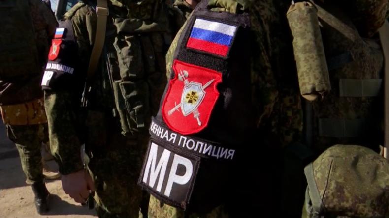 Syrien: Russische Militärpolizei erweitert Patrouillen um Manbidsch nahe der türkischen Grenze