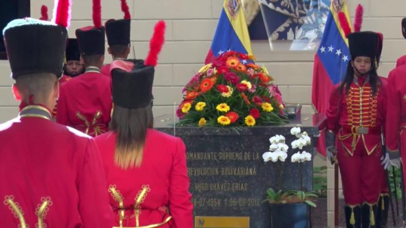 Venezuela: Chavistas halten Gedenkmarsch ab zum Gedenken an Hugo Chavez