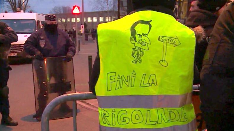 """Frankreich: Gelbwesten warnen Macron vor einem """"Jahr in Gelb"""""""