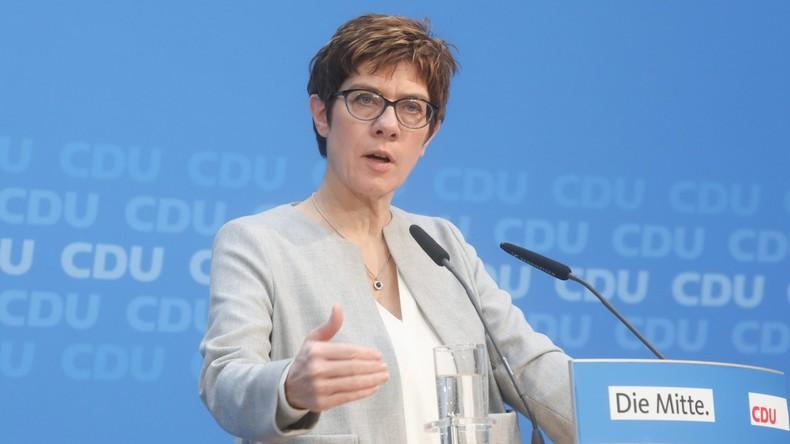 Gemeinsame Verteidigungspolitik in Europa: Kramp-Karrenbauer will europäische Armee