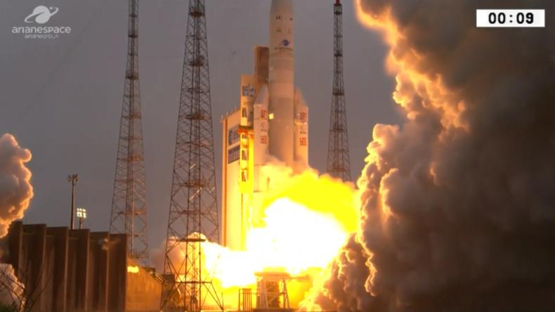 Französisch-Guayana: Ariane 5 bringt zwei Satelliten in die Erdumlaufbahn