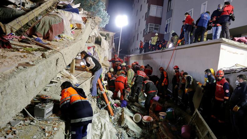 Drei Tote bei Einsturz von Wohnhaus in Istanbul - Mädchen verschüttet
