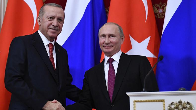 Normalisierung der Beziehungen: Russland hebt Visapflicht für türkische Geschäftsleute auf