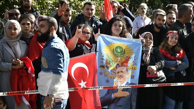 Professor im RT-Interview: Verbundenheit Türkeistämmiger mit Deutschland nimmt ab