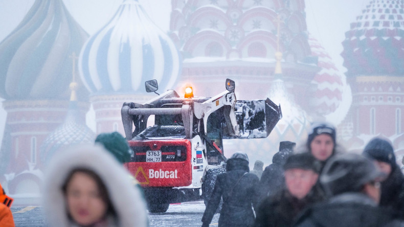 Schneesturm: Wie Moskau die Schneemassen bewältigt