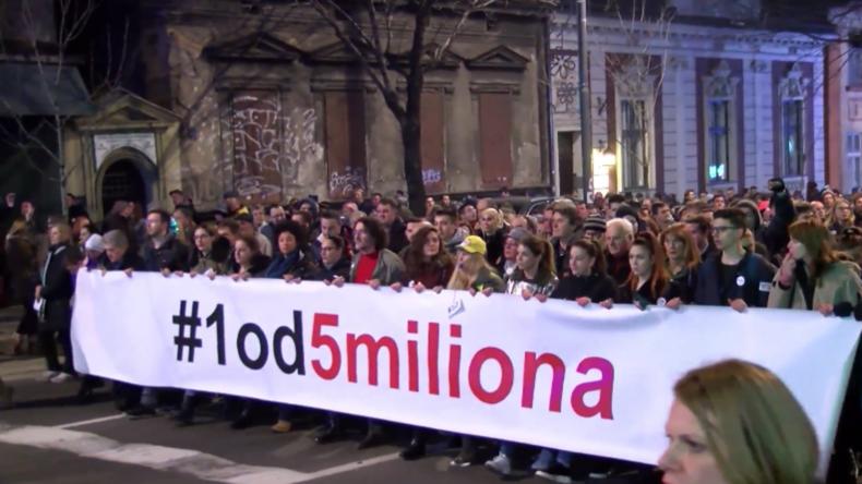 Serbien: Tausende versammeln sich in Belgrad zu Protesten gegen die Regierung