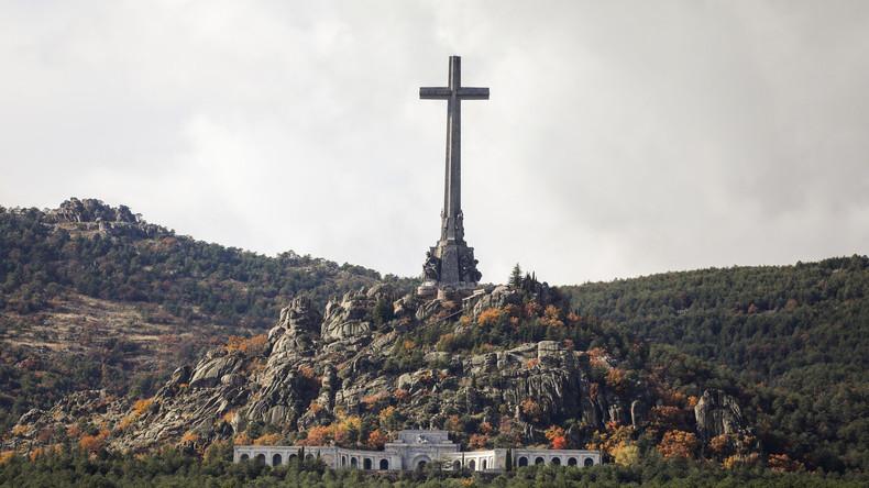 Spanien: Gebeine von Diktator Franco sollen umgebettet werden