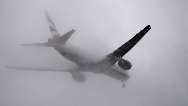 Horror-Anflug in London: Flugzeug von Sturm erfasst [VIDEO]