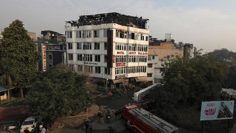 Mindestens 17 Tote bei Brand in indischem Hotel