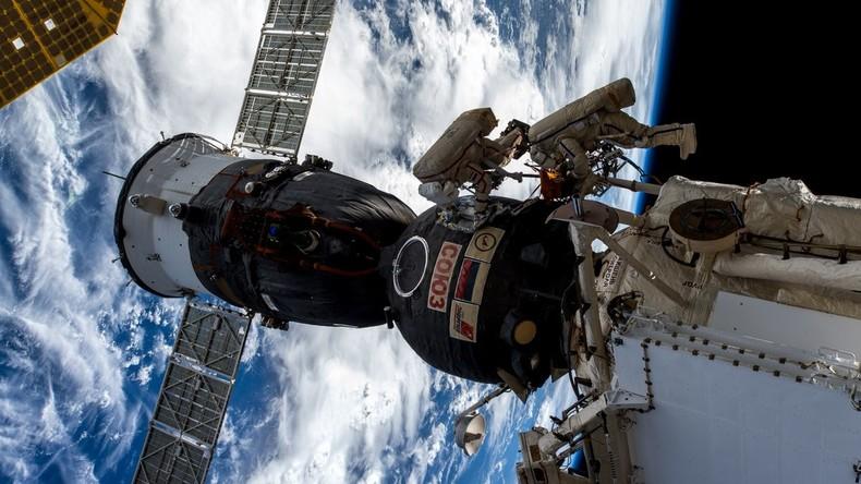 Zwischenbericht zum ISS-Leck an Sojus-Kapsel: Metall-Zerfall durch Mikroben ausgeschlossen