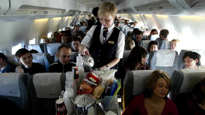 Typisch britisch: Flugzeug macht Teetrinkern zuliebe Zwischenlandung