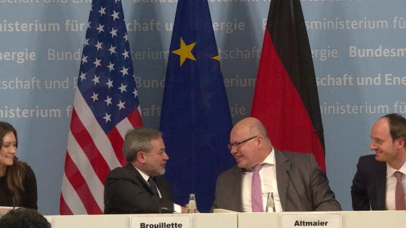 """US-Druck nachgegeben? Deutschland wird """"ein oder mehrere Flüssiggas-Terminals"""" bauen"""