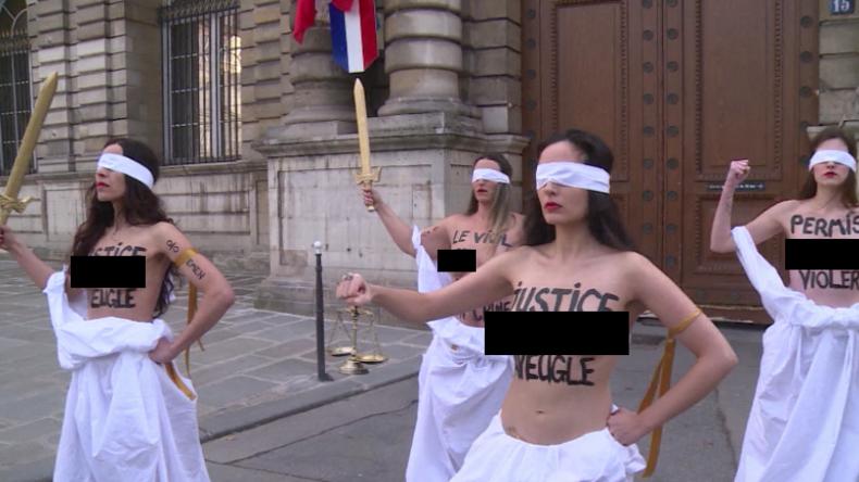 Frankreich: Halbnackte FEMEN-Aktivistinnen protestieren gegen Sexualstrafrechts-Reform