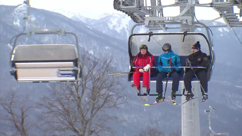 Sotschi: Putin und Lukaschenko gehen gemeinsam eine Runde Skilaufen