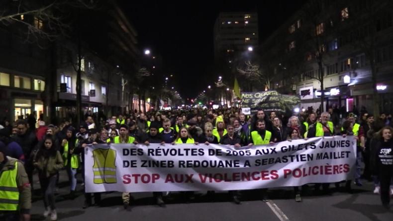 """Frankreich: Hunderte marschieren gegen Polizei-Gewalt bei Protesten der """"Gelben Westen"""""""