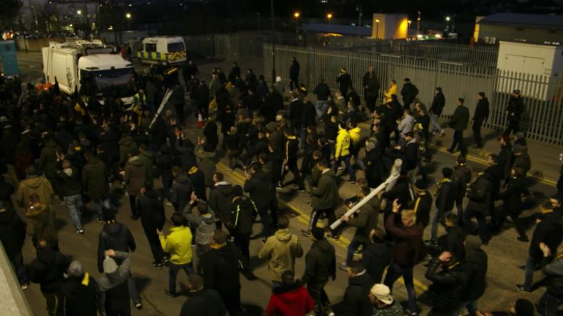 London: BVB-Fans ziehen singend zum Match gegen Tottenham