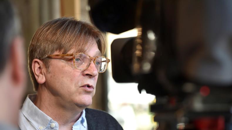 Belgischer Ex-Premier faltet im EU-Parlament italienischen Regierungschef zusammen
