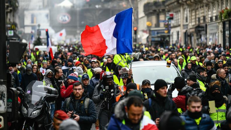 """LIVE: """"Gelbwesten"""" protestieren vierzehnte Woche in Folge in Paris"""