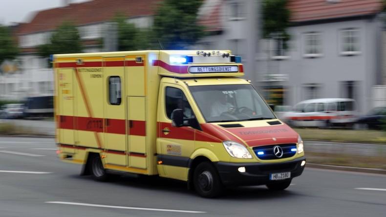 Geisterfahrer stirbt bei Unfall - Drei Menschen in Lebensgefahr