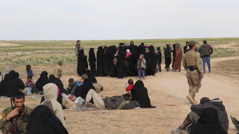 Syrien: Zivilisten fliehen aus letzter IS-Enklave in Deir ez-Zor