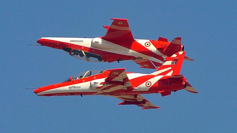 Zusammenstoß von zwei Militärflugzeugen in Indien – ein Pilot tot, zwei verletzt