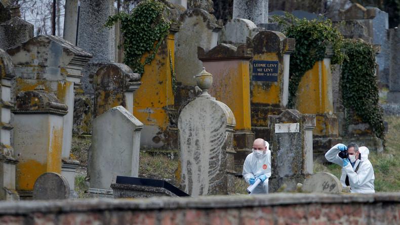 Grabschändungen auf jüdischem Friedhof in Frankreich: Hakenkreuze auf fast 80 Grabsteinen