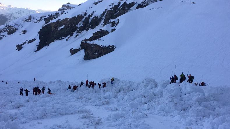 Lawinenabgang in der Schweiz: Vier Verletzte, Suche nach Verschütteten ohne Erfolg