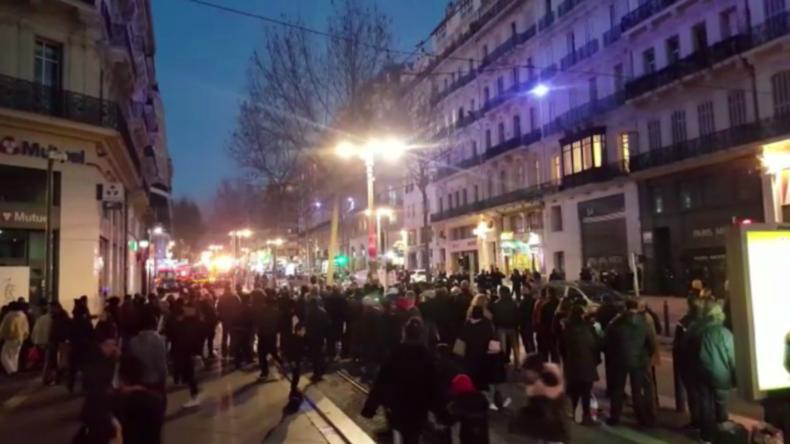 Marseille: Mann sticht wahllos auf Passanten ein - Polizei tötet Angreifer