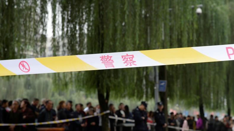 Elf Verletzte nach Messerangriff vor Schule in Ostchina