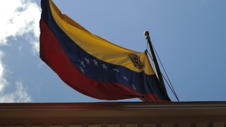 Raubüberfall auf Venezuelas Generalkonsulat in Ecuador: Mitarbeiter verprügelt, Kasse gestohlen