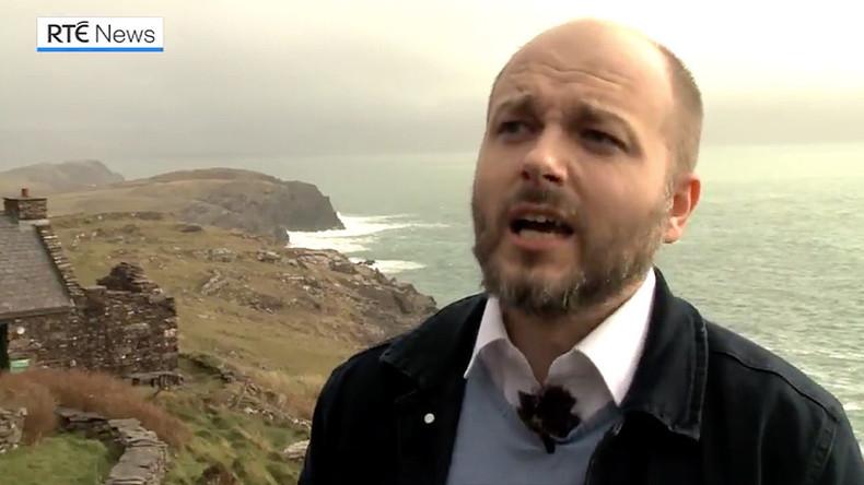 Russe mit Rettung irischer Sprache in irischer Provinz beauftragt