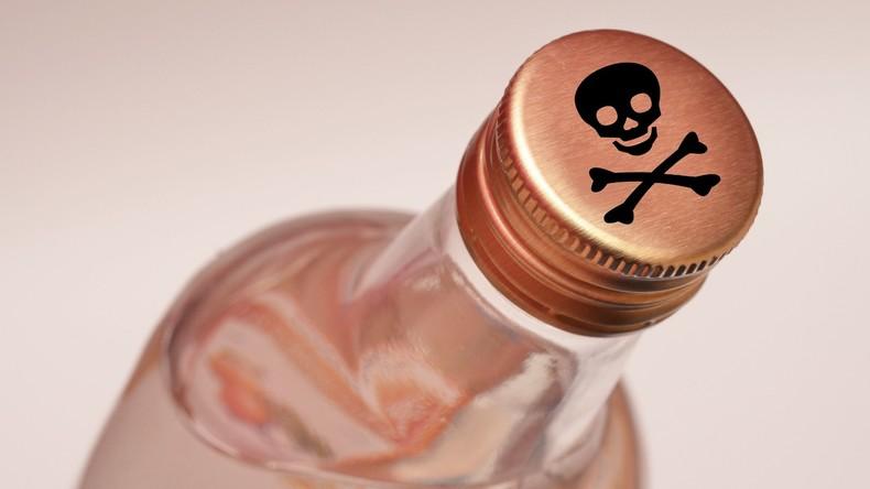 Indische Tee-Arbeiter trinken gepanschten Alkohol: Mindestens 21 Tote