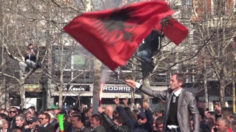 Albanien: Tausende auf Kundgebung gegen Regierung in Tirana