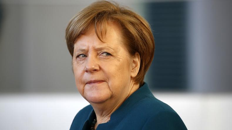 Keine Kondolenz vom Kanzleramt: Warum Merkel zum Tod Lagerfelds schweigt