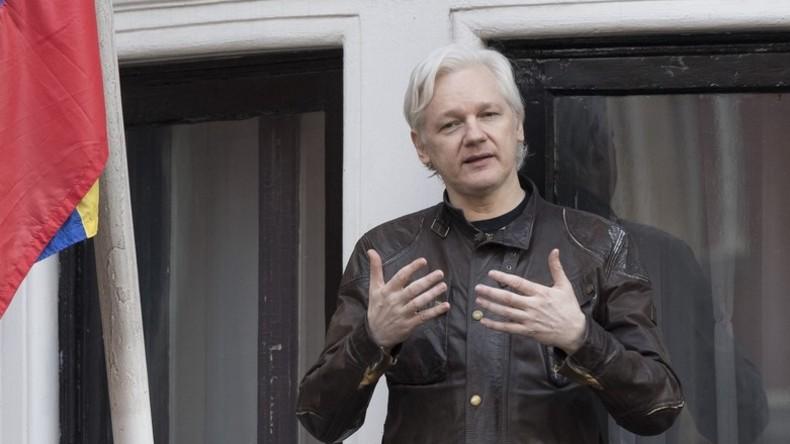 Julian Assange mit neuem australischem Reisepass ausgestattet