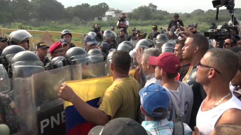 Kolumbien: Venezolanische Polizei blockiert Grenzbrücke – Hilfslieferungen sammeln sich in Brasilien
