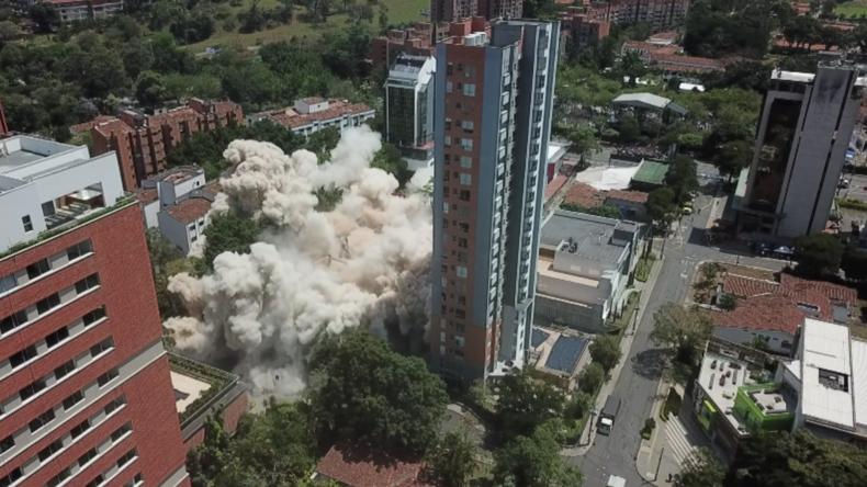 Kolumbianische Behörden sprengen Haus von Drogenbaron Pablo Escobar