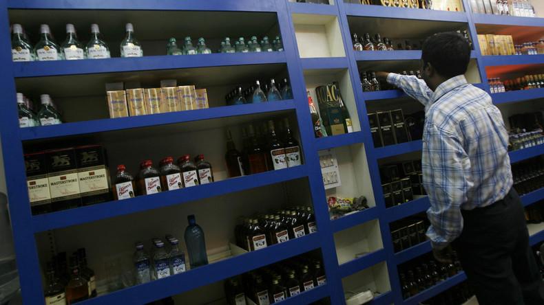 Schon fast 140 Tote nach Schnaps-Vergiftung in Indien