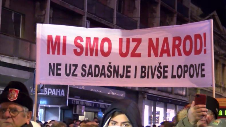 Serbien: Weiterhin Proteste gegen Präsident Aleksandar Vučić in Belgrad